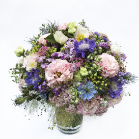 Seasonal Hungarian Pastel Bouquet