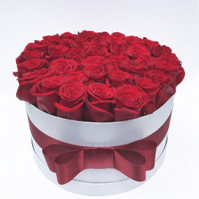 Luxury Round Red Rose Box