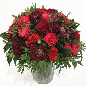 Elegant Red and Burgundy Bouquet